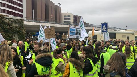 Ufo-Mitglieder beim Protestzug