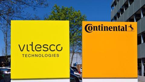 Die beiden Firmenlogos von Vitesco und Continental