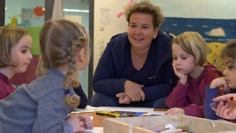 Sylvia Becker-Mane bei ihrer Arbeit im Kindergarten