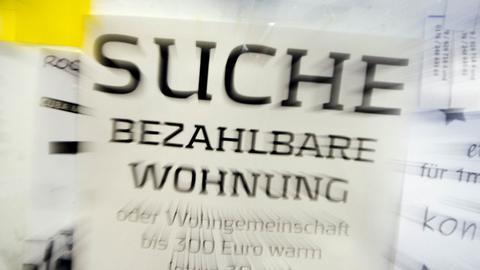 Wohnungssuche-Aushang  an der Uni Frankfurt