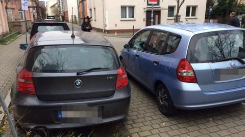 Zugeparktes Auto in Frankfurt